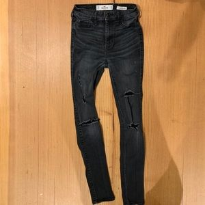 Hollister High Rise superskinny ripped jeans